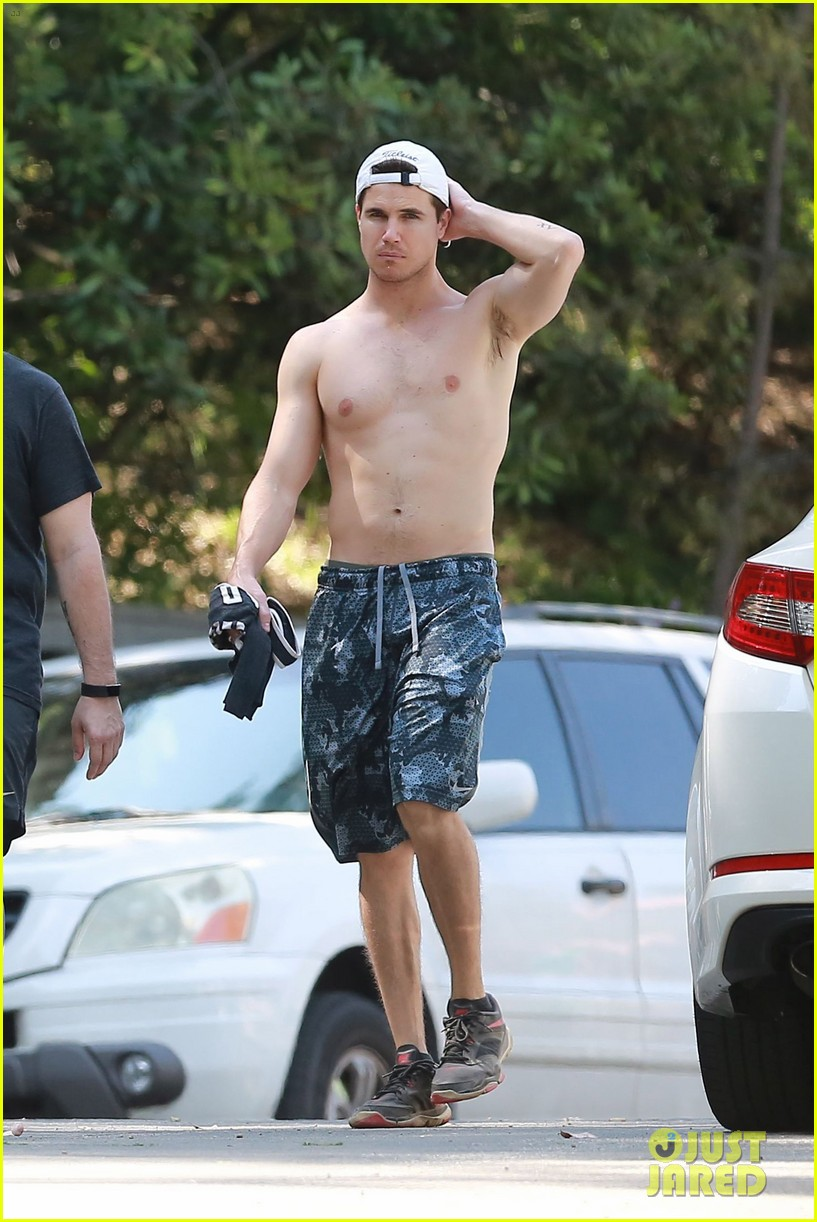 robbie amell goes shirtless on a hike 01