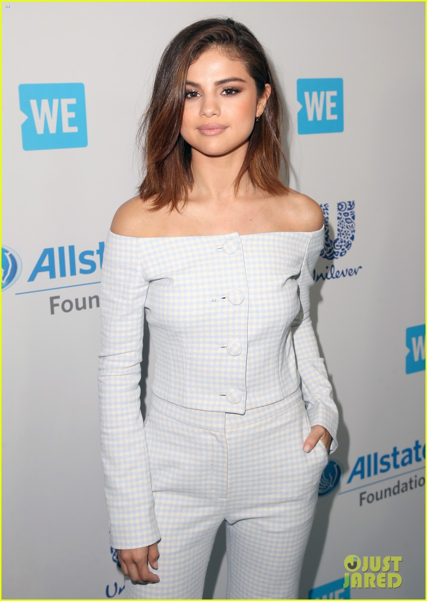 selena gomez we day 2017 host 06