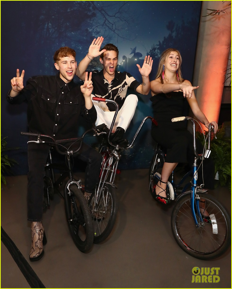 13 reasons why riverdale ew people upfronts party 01