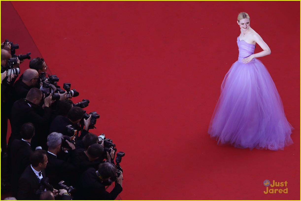 addison riecke anjourie rice elle fanning beguiled cannes premiere 26