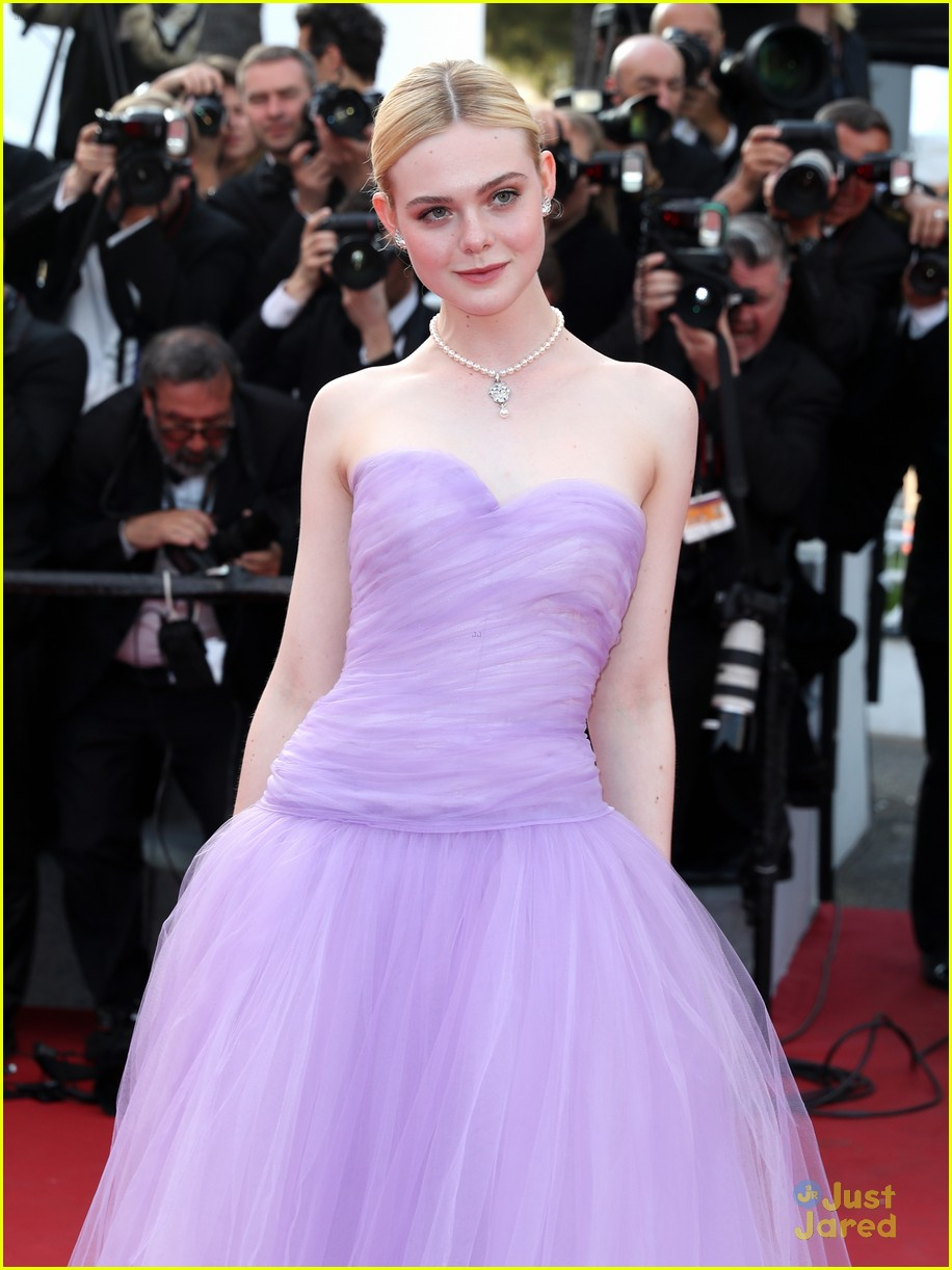addison riecke anjourie rice elle fanning beguiled cannes premiere 28