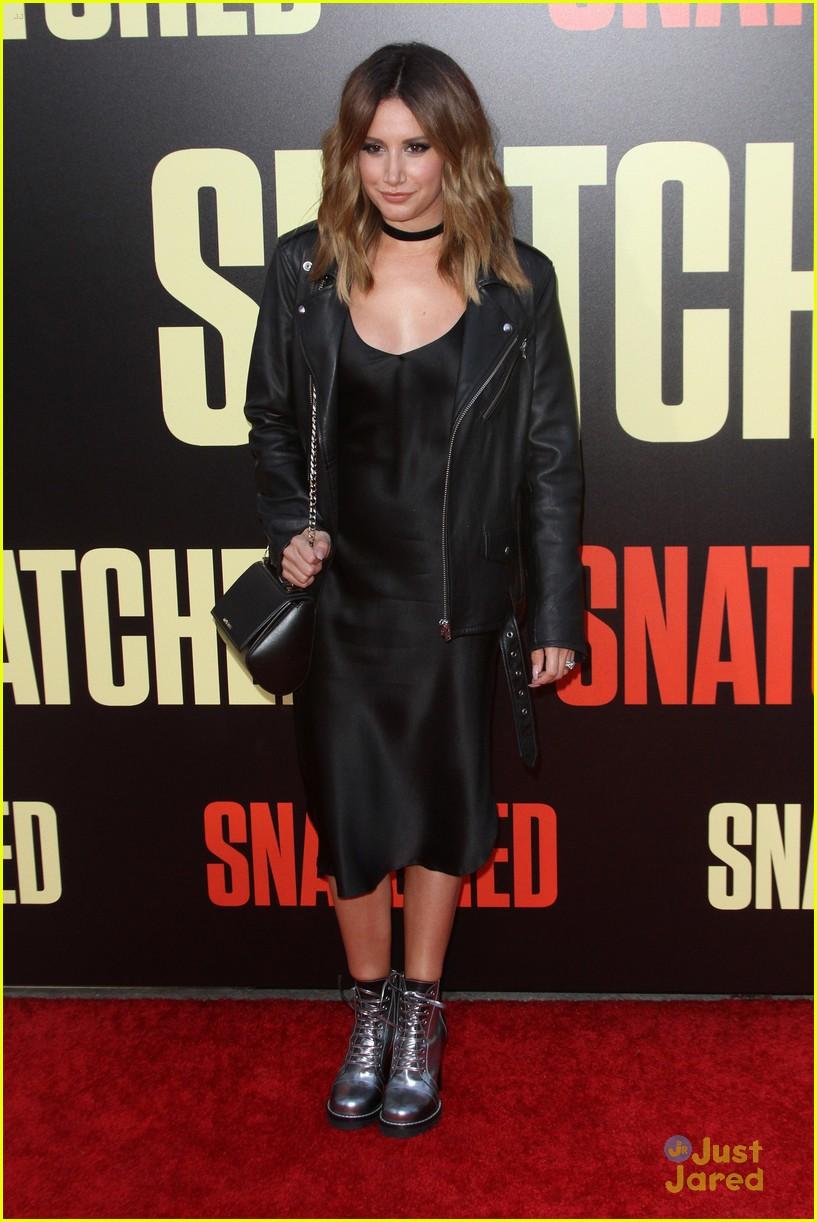 ashley tisdale lashes launch snatched premiere 06