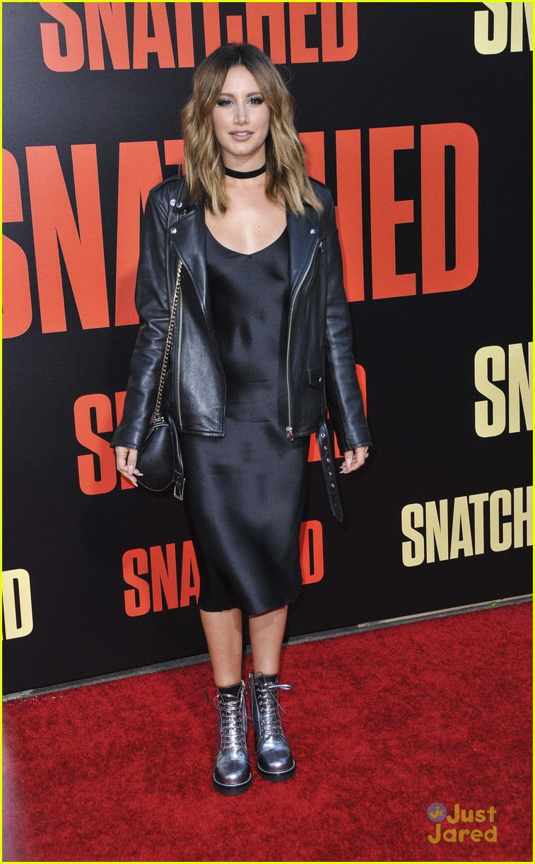 ashley tisdale lashes launch snatched premiere 10