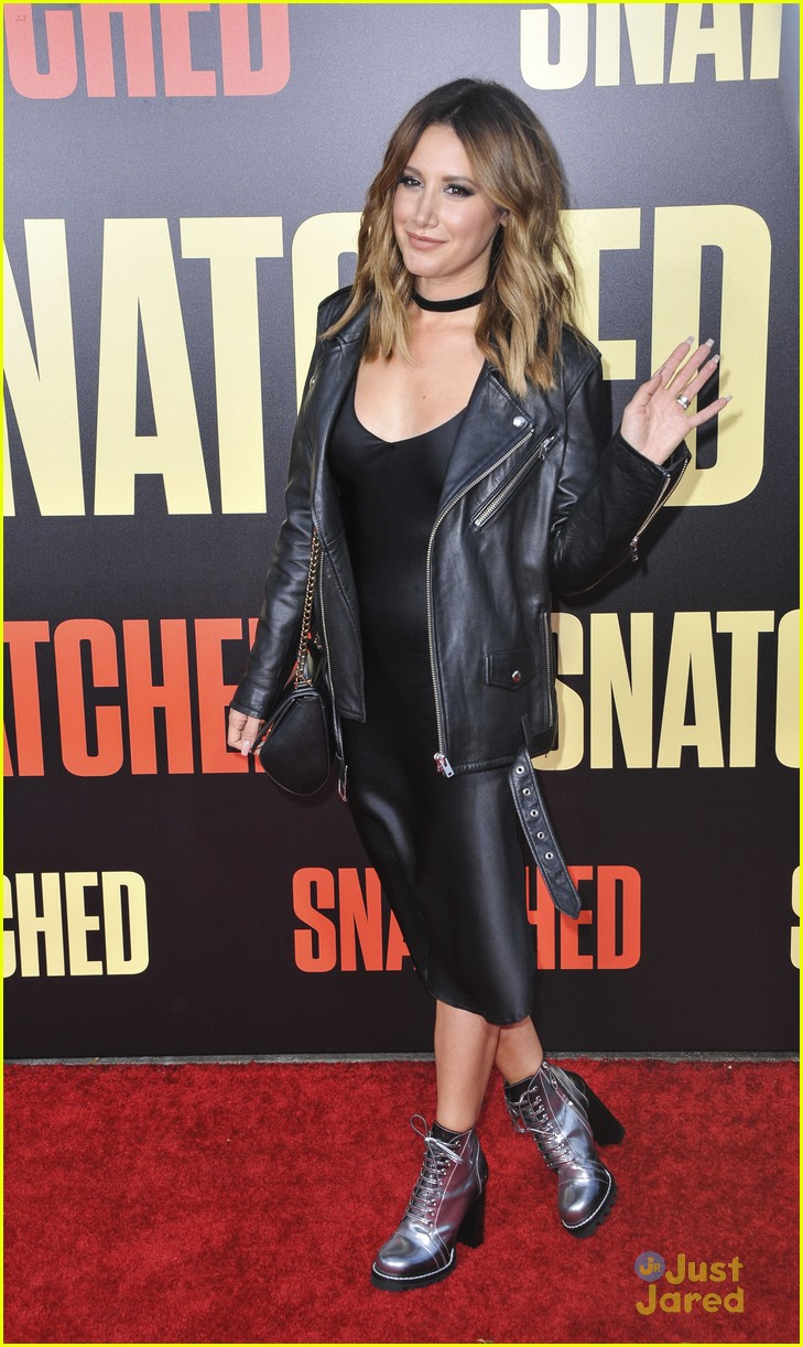 ashley tisdale lashes launch snatched premiere 11