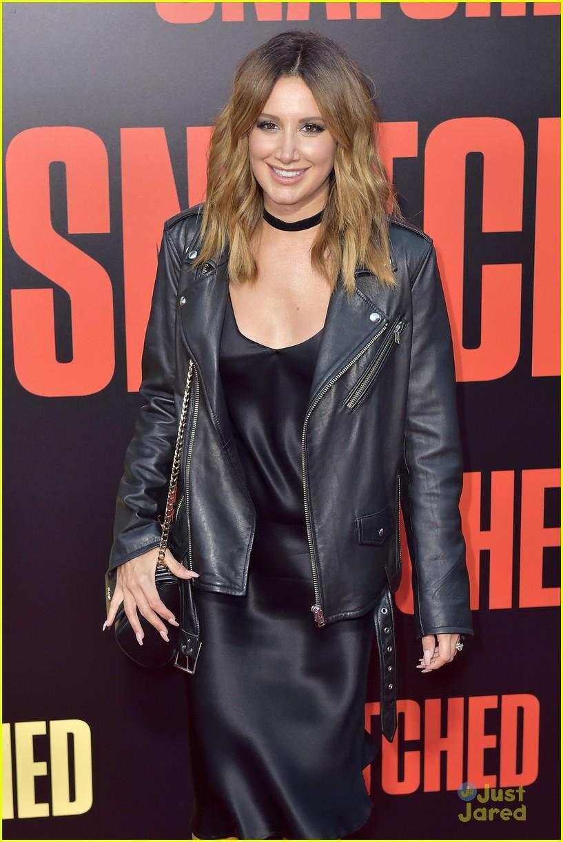 ashley tisdale lashes launch snatched premiere 15