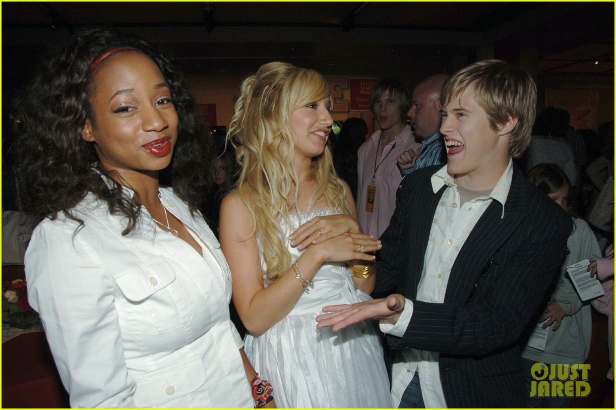 ashley tisdale lucas grabeel hated each other during high school musical days 02