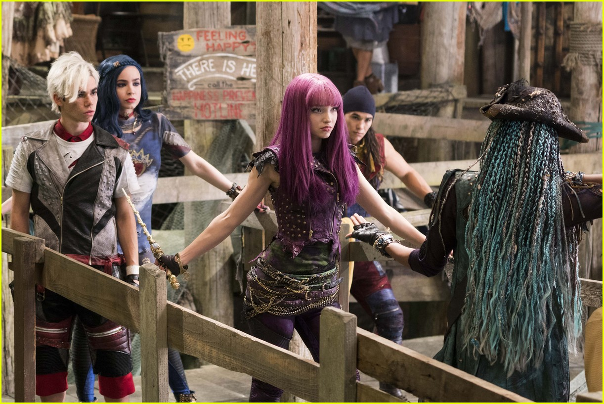descendants 2 new stills mal uma 03