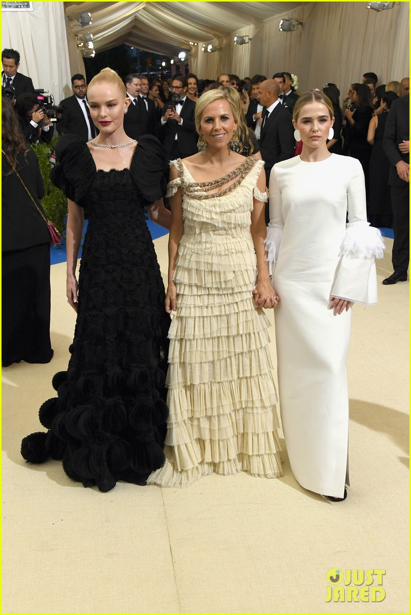 zoey deutch margaret qualley and olivia cooke pose with their met gala 2017 designers 10