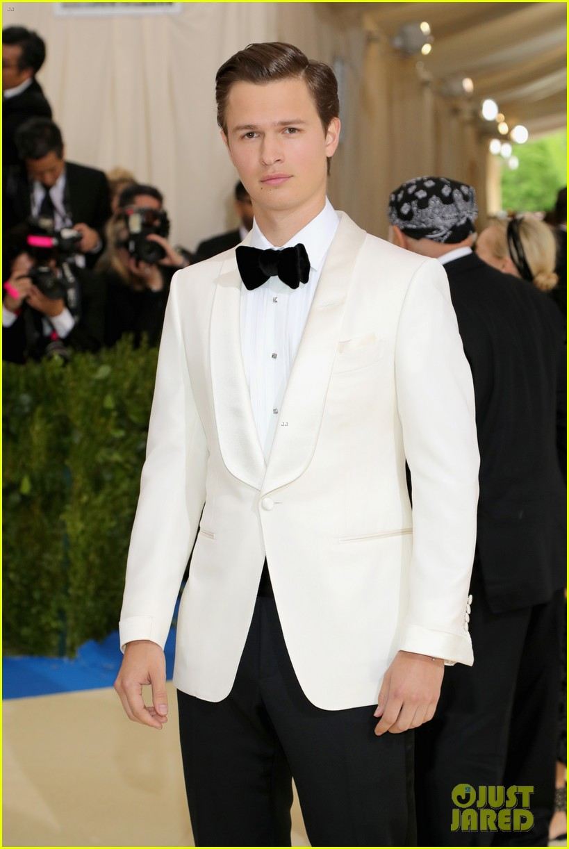 ansel elgort suits up for met gala02