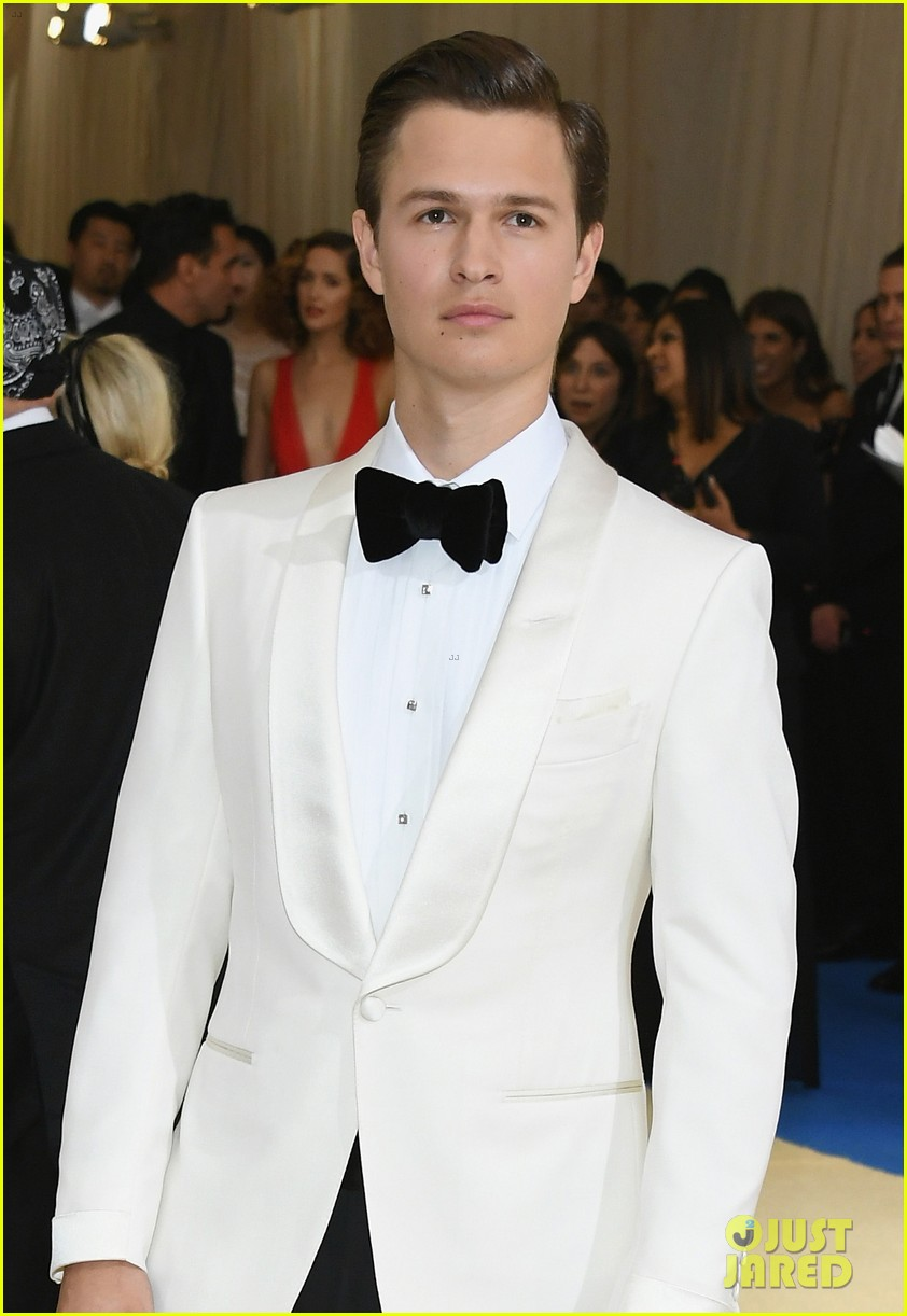 ansel elgort suits up for met gala03
