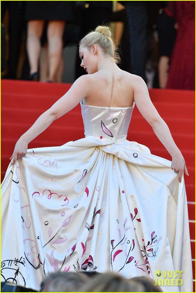 elle fanning dress details lily rose depp cannes opening ceremony 03