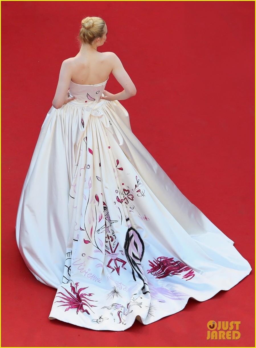 elle fanning dress details lily rose depp cannes opening ceremony 05