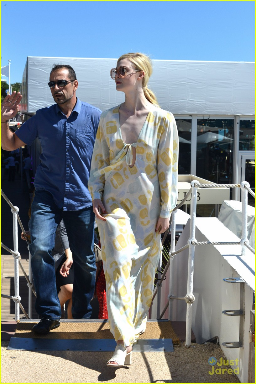 elle fanning out cannes special pjs 05