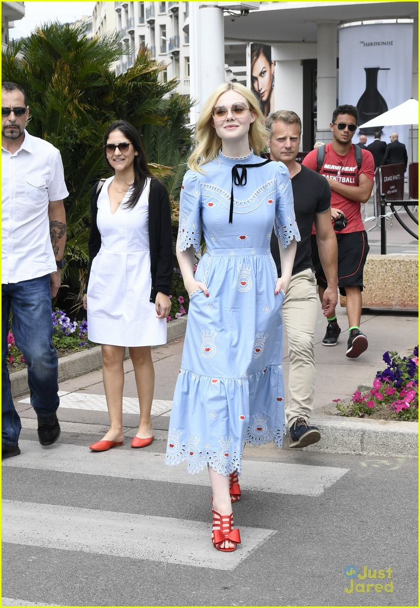 elle fanning out cannes special pjs 09