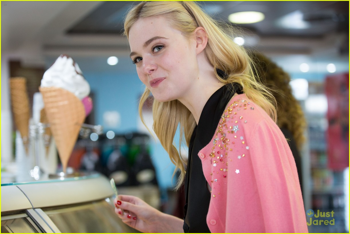elle fanning out cannes special pjs 10