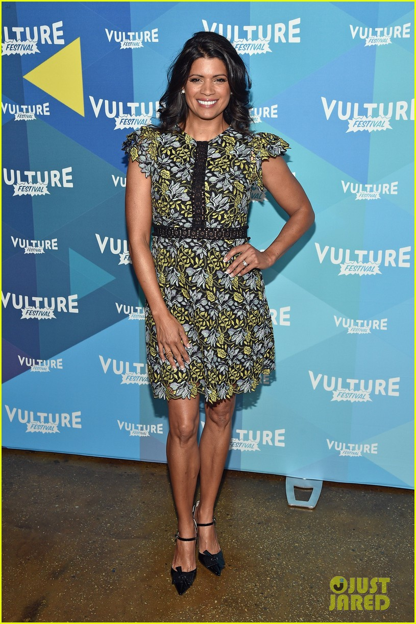 jane the virgin panel 06