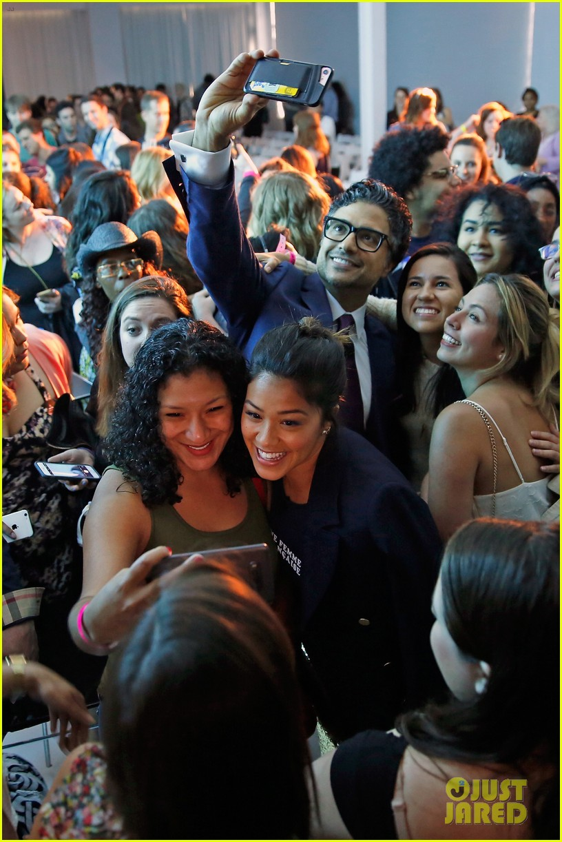 jane the virgin panel 13