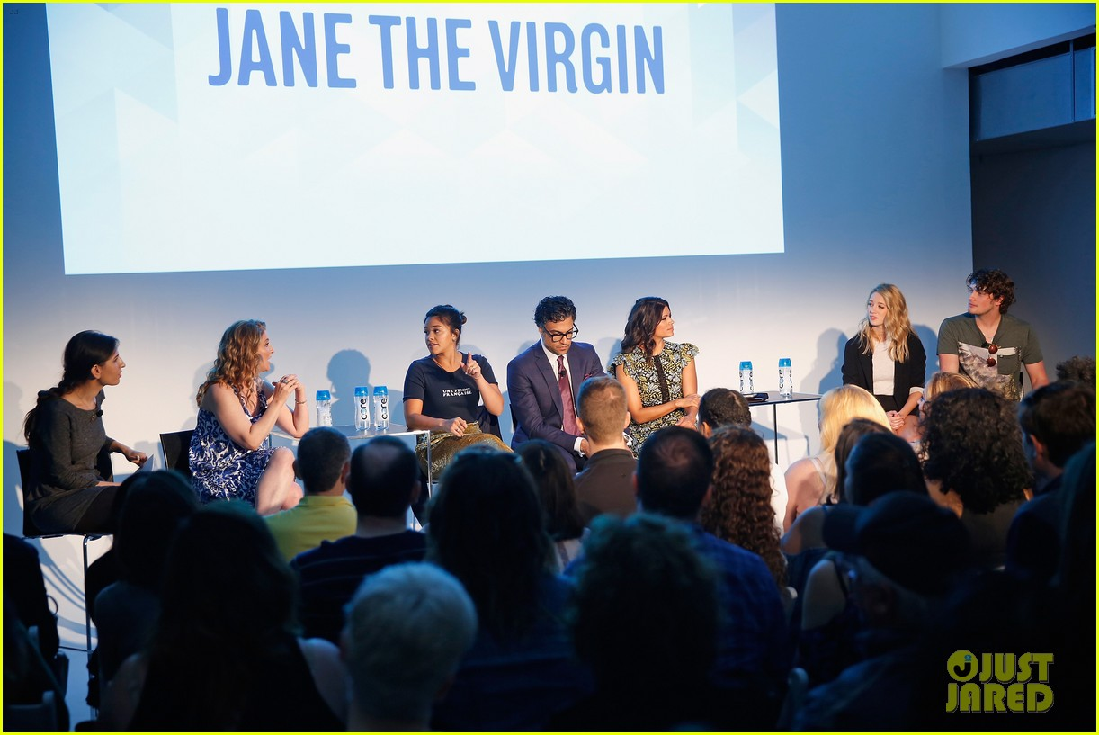 jane the virgin panel 16
