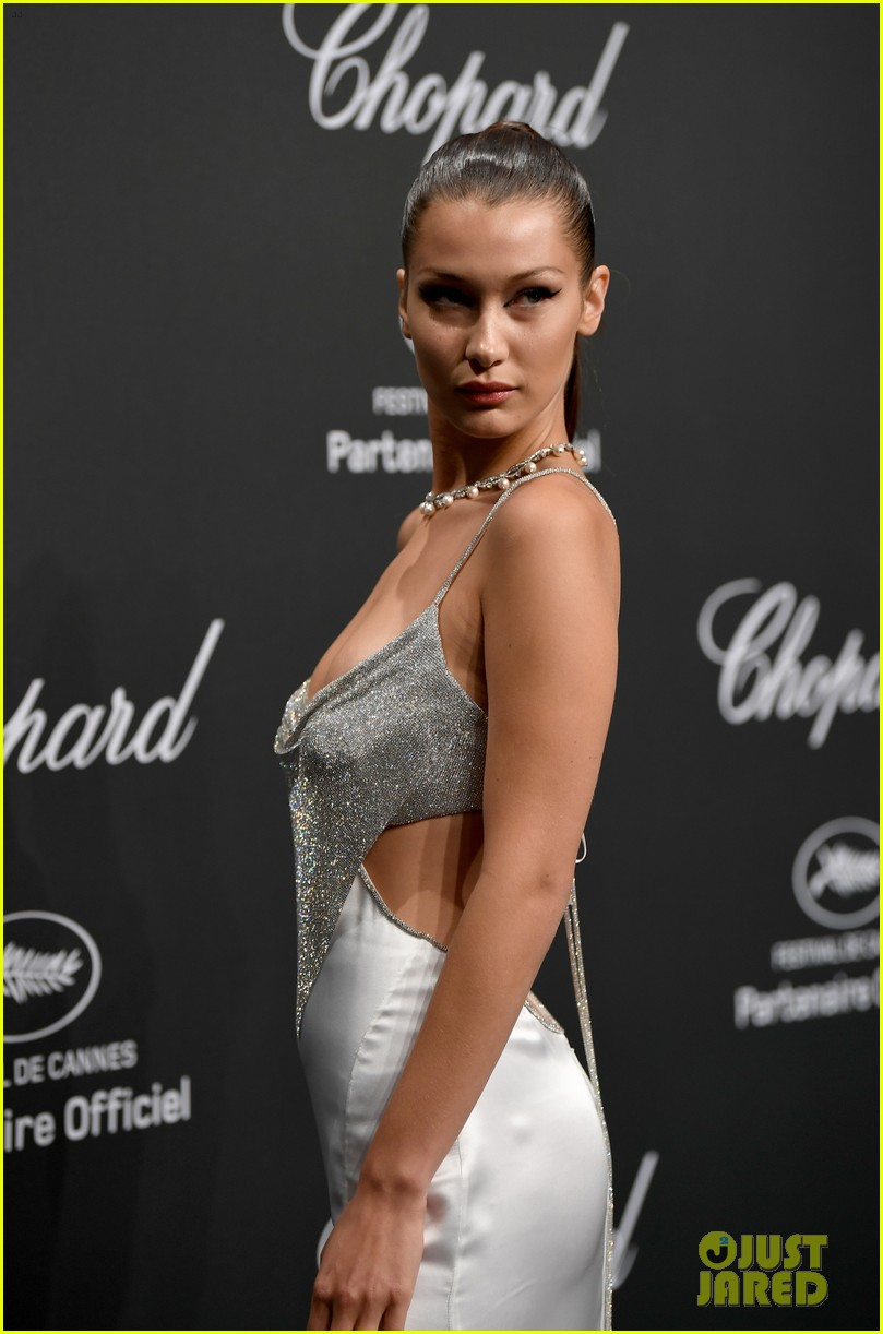 bella hadid is all about the sparkles and cat eye at chopard space party 04