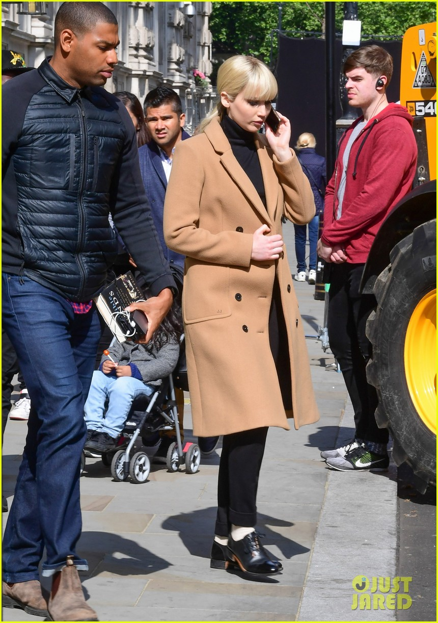 jennifer lawrence gets into character on red sparrow set 07