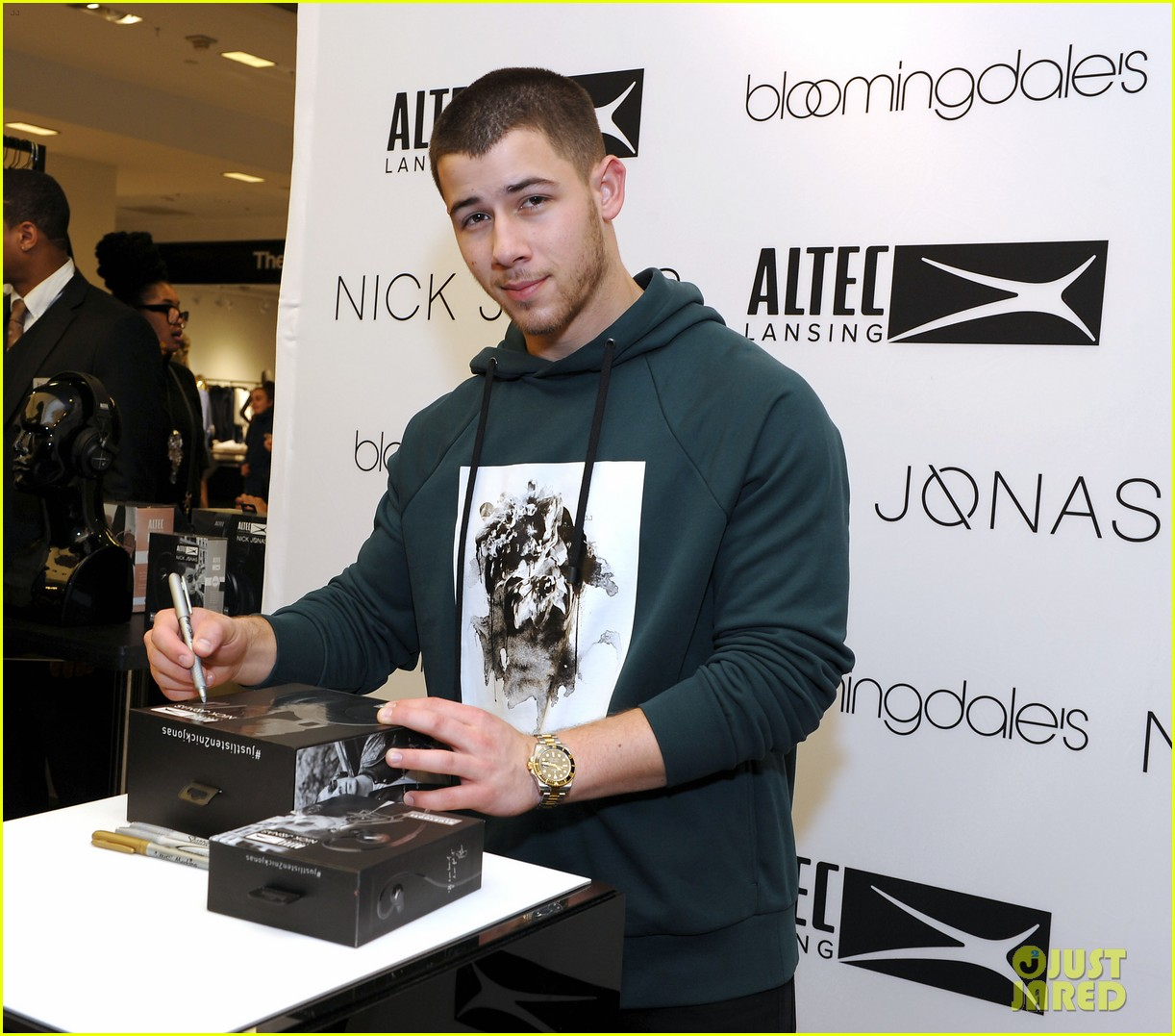 nick jonas becomes a godparent to neice valentina 04