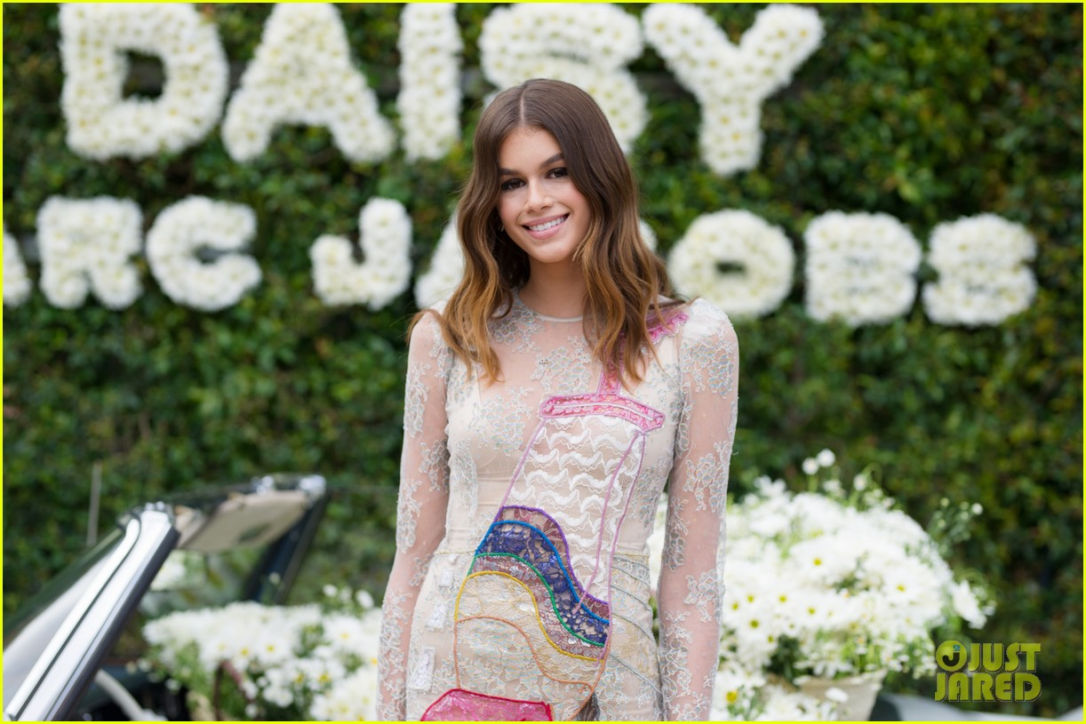 kaia geber marc jacobs daisy fragrance launch 20