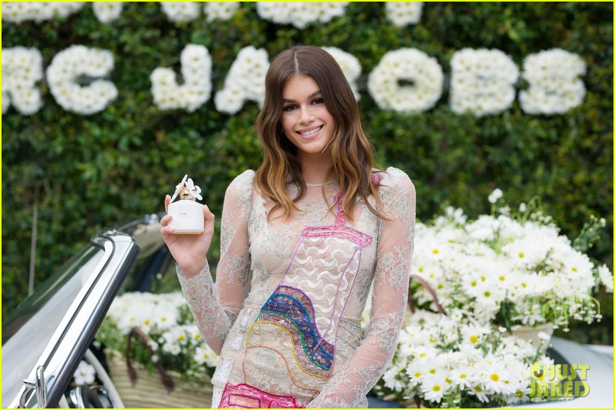 kaia geber marc jacobs daisy fragrance launch 22