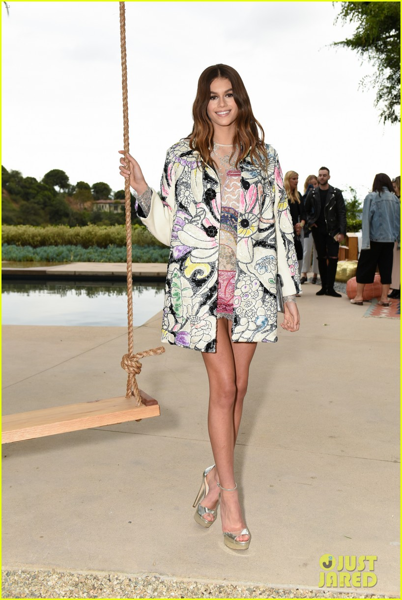 kaia geber marc jacobs daisy fragrance launch 28