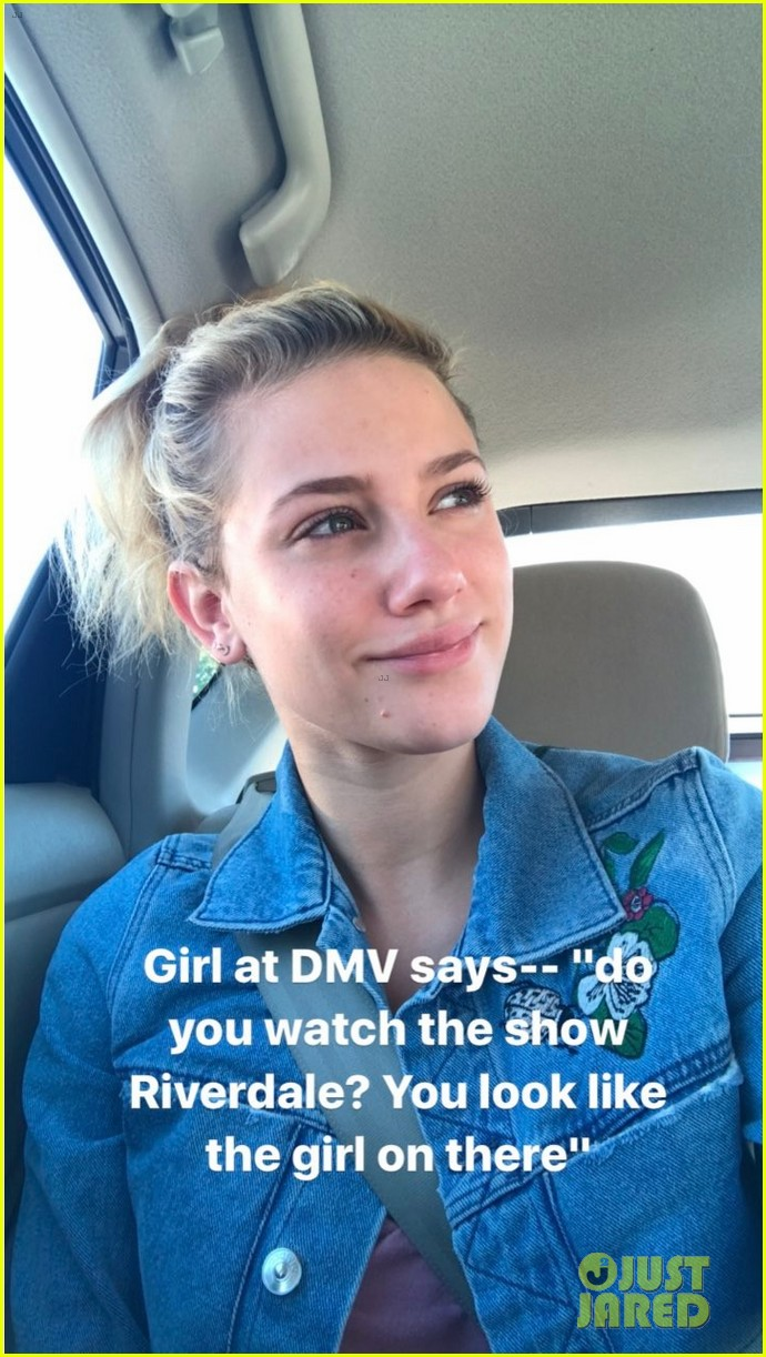 lili reinhart had the best reaction to being recognized at the dmv01