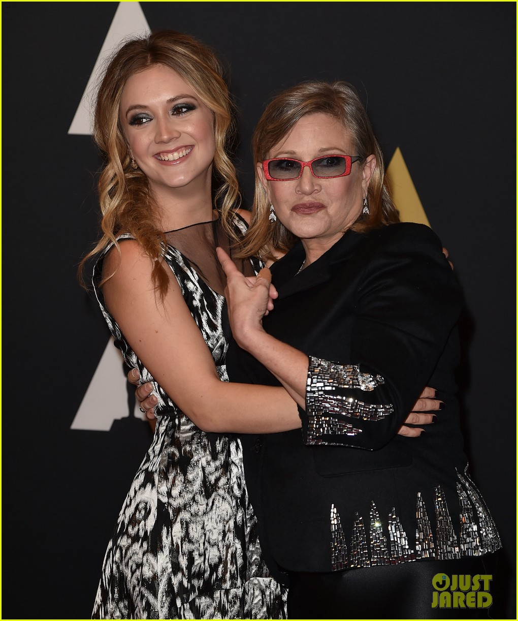 billie lourd pays sweet tribute to mom carrie fisher on star wars day 01