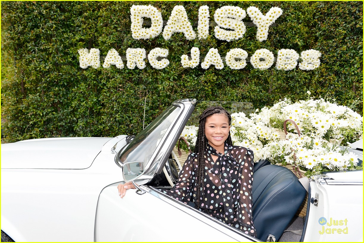 madisyn shipman lizzy greene marc jacobs event 06