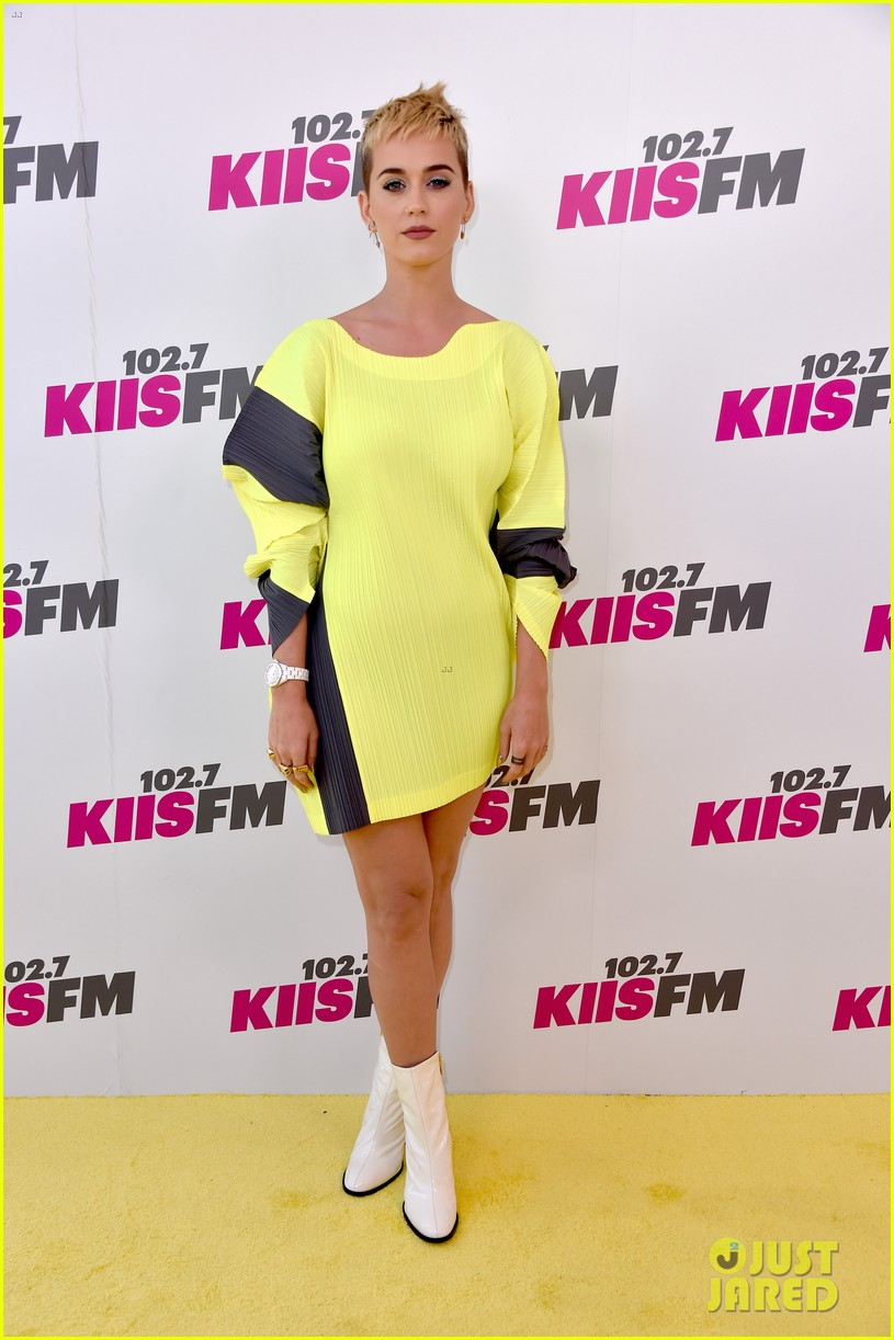 katy perry joins niall horan liam payne at wango tango01