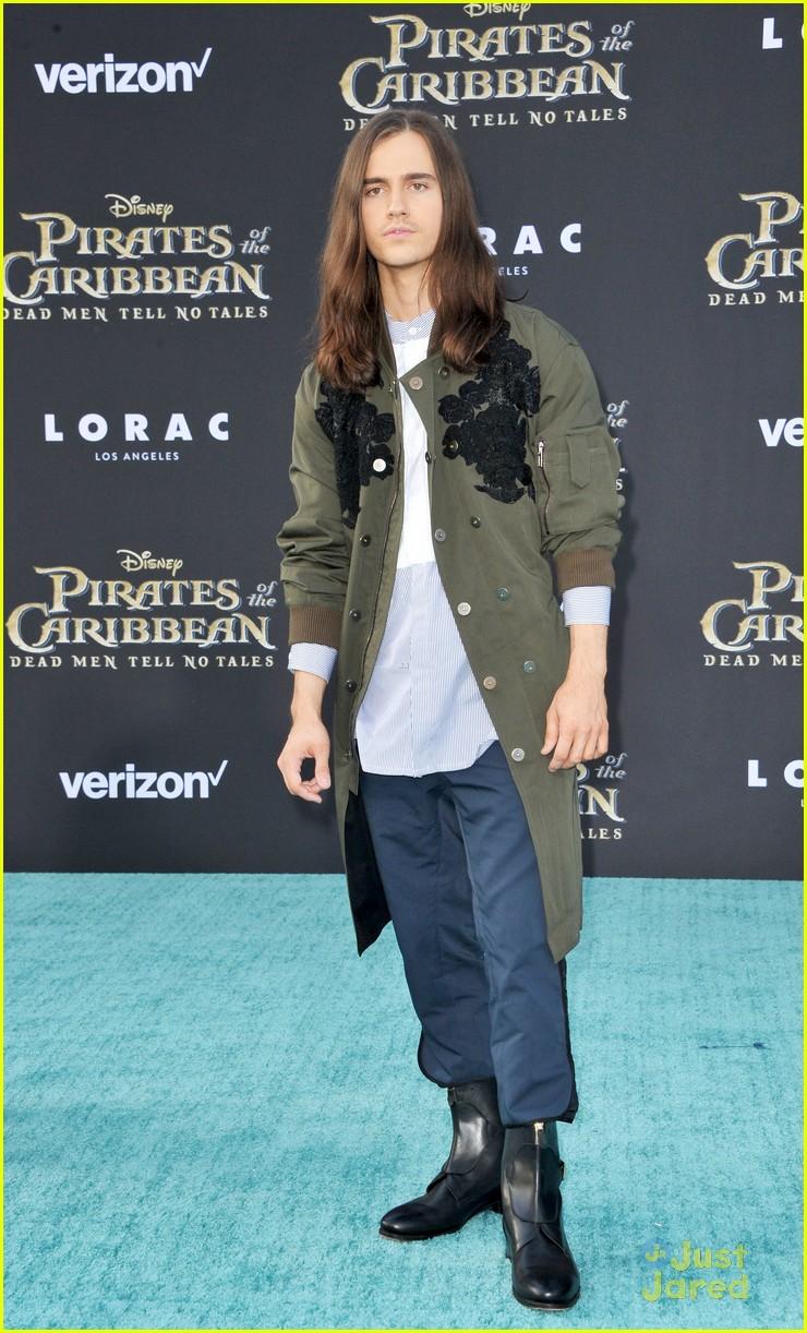 riker lynch no costume pirates premiere lana condor more 13