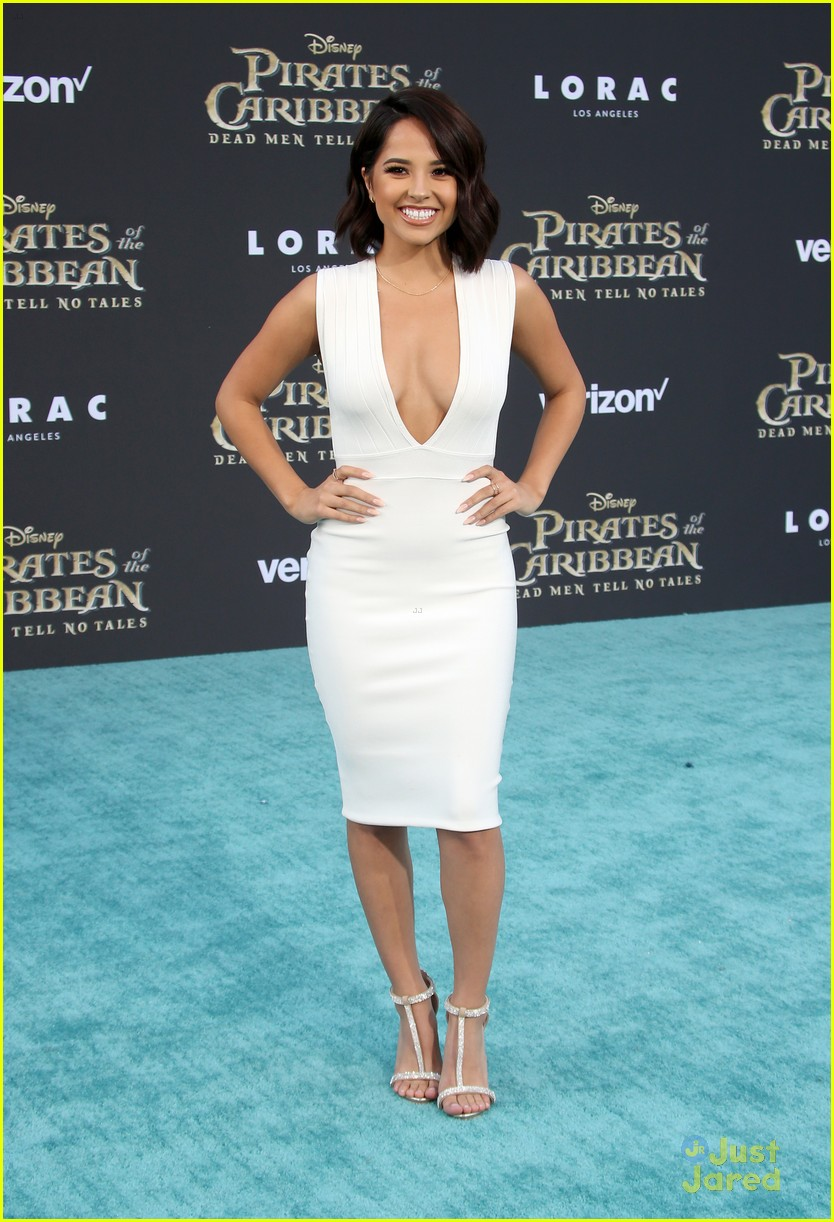 sharna burgess witney carson pirates premiere becky g 02