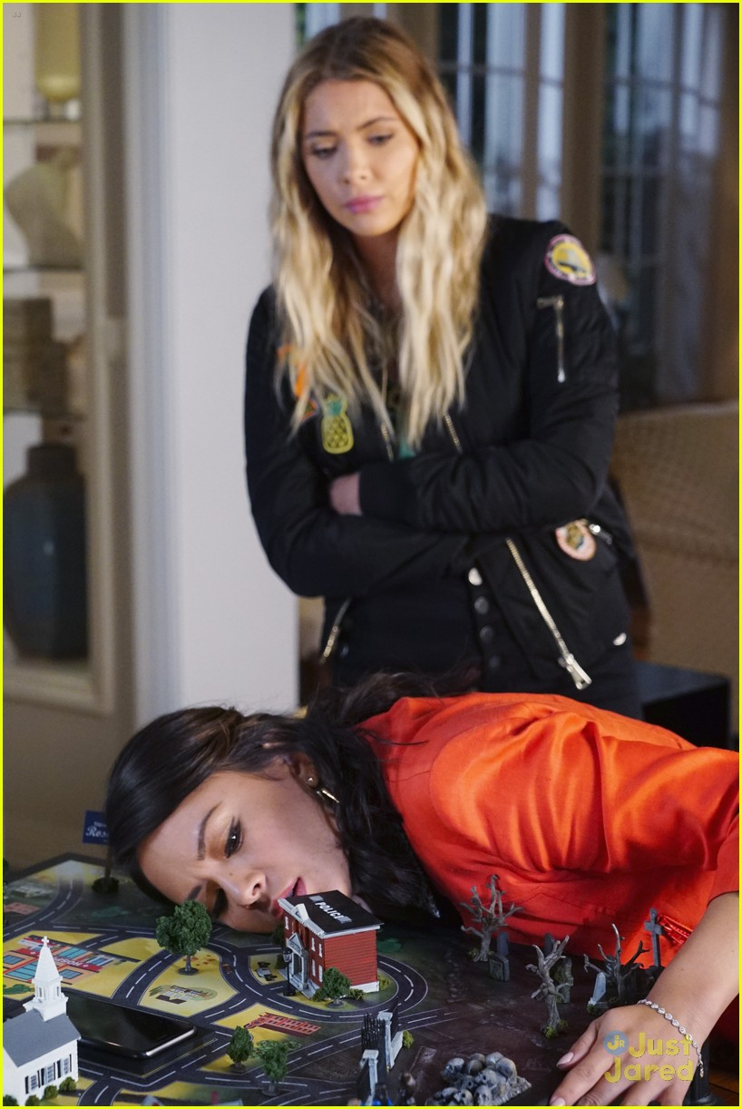 troian bellisario dishes on directing pll 10