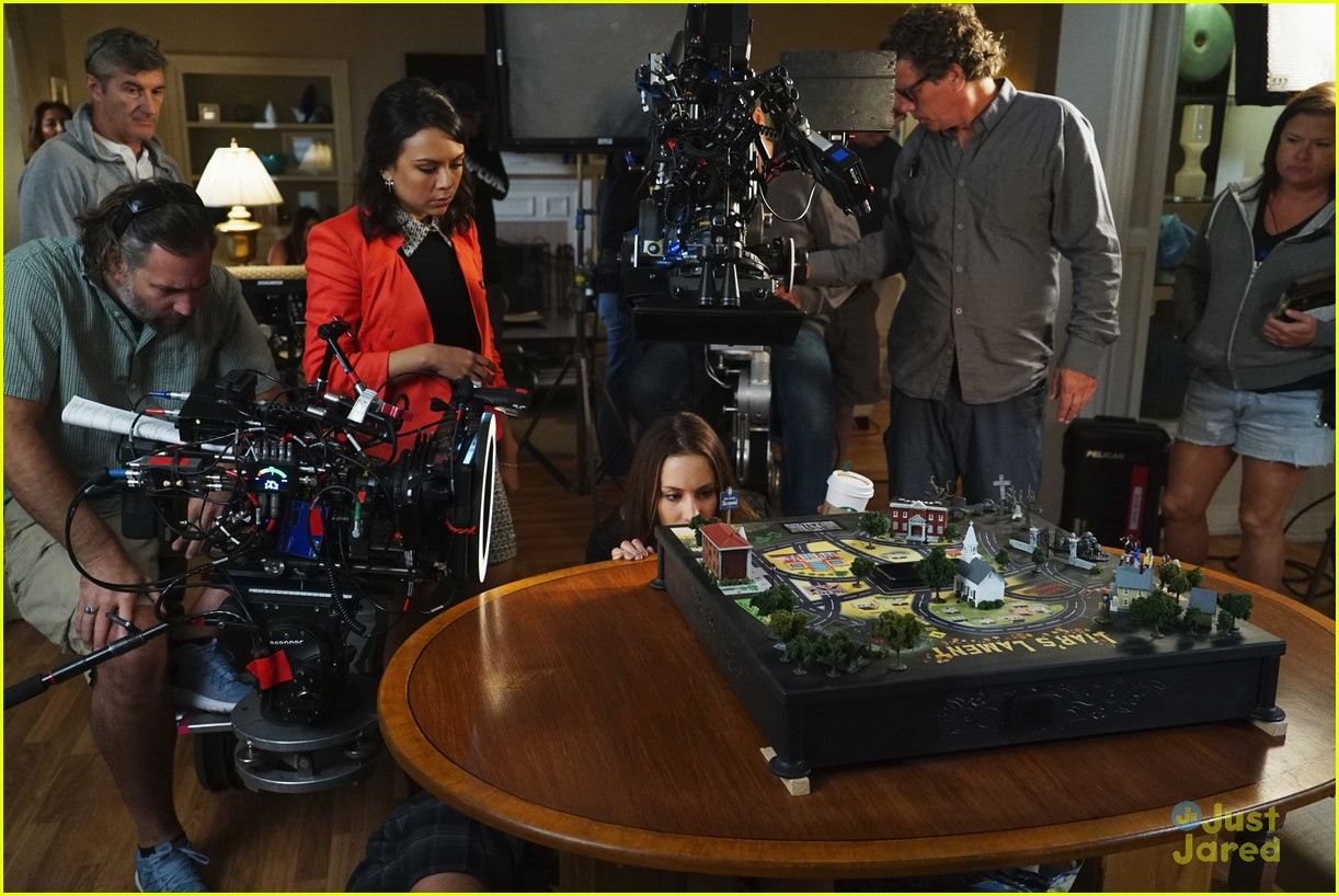 troian bellisario dishes on directing pll 14