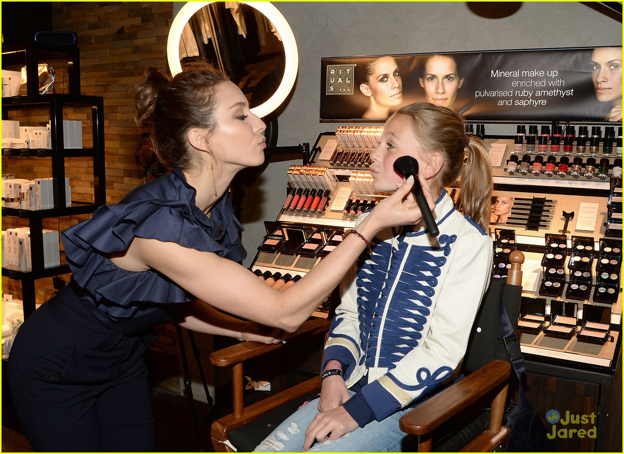 Troian bellisario gets inspired by fans after nyc meet greet troian bellisario meet greet ritual nyc fans 05 kristyandbryce Choice Image