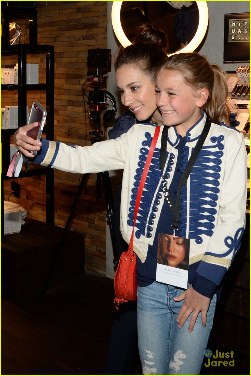 Troian bellisario gets inspired by fans after nyc meet greet troian bellisario meet greet ritual nyc fans 06 m4hsunfo Image collections
