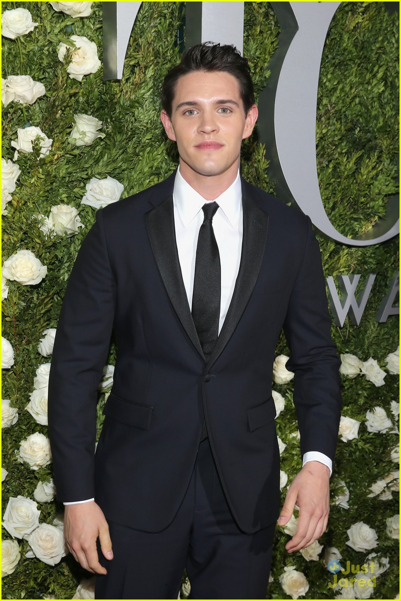 casey cott supports his brother at tony awards ben platt wins best actor 09