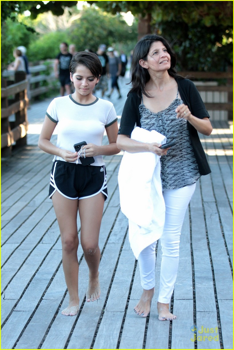 isabela moner beach day miami meets fans 03