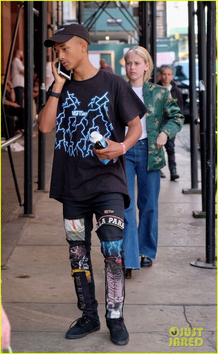 Jaden willow smith dont live at home but still make time for jaden willow smith moved out of parents house 10 voltagebd Image collections