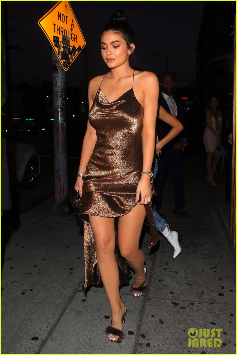 Kylie Jenner Is A Golden Goddess In Shimmering Gown