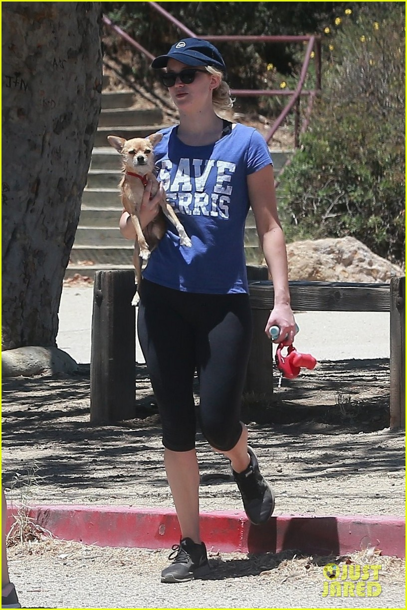 jennifer lawrence goes hiking with pup pippi07