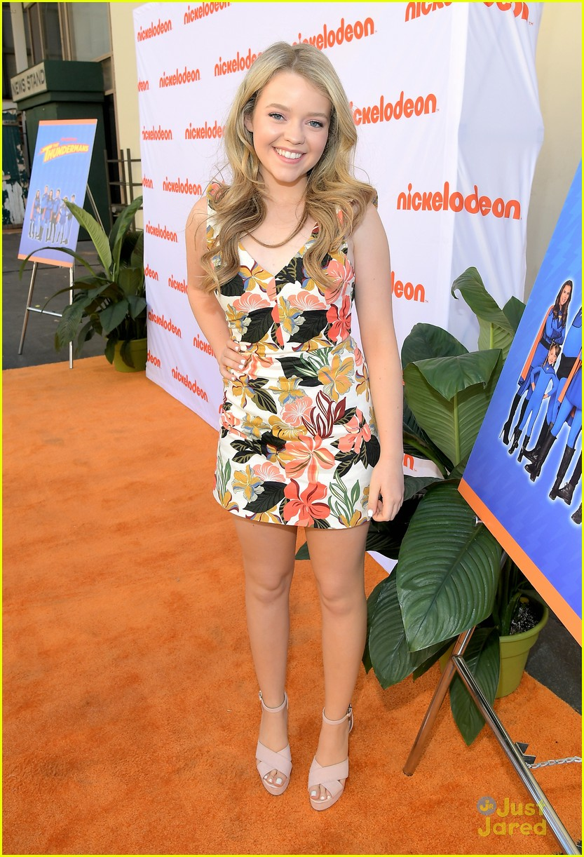 kira kosarin jack griffo thundermans 100th party 07
