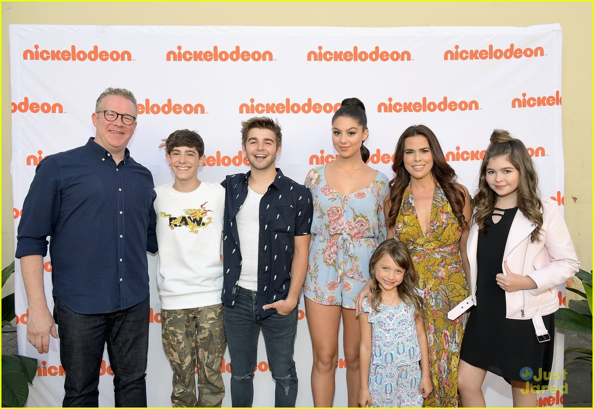 kira kosarin jack griffo thundermans 100th party 08