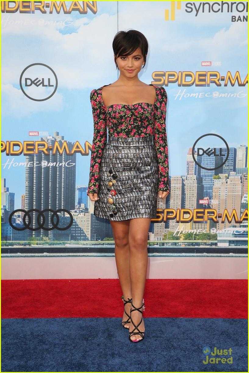 isabela moner jordyn jones social stars spiderman premiere 21