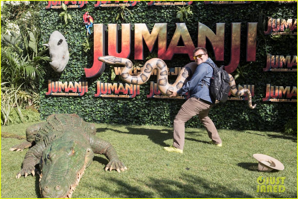 jack black nick jonas face off during jumanji promo 13