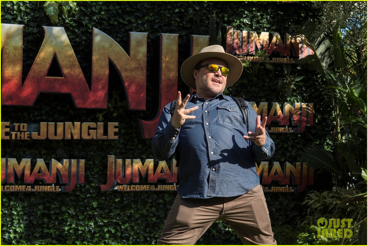 jack black nick jonas face off during jumanji promo 14
