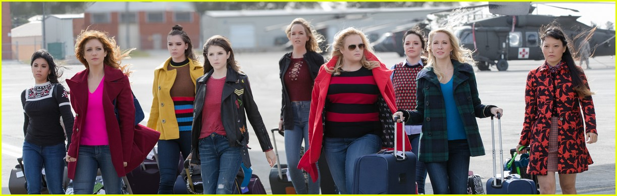 pitch perfect 3 trailer watch the bellas head overseas 03