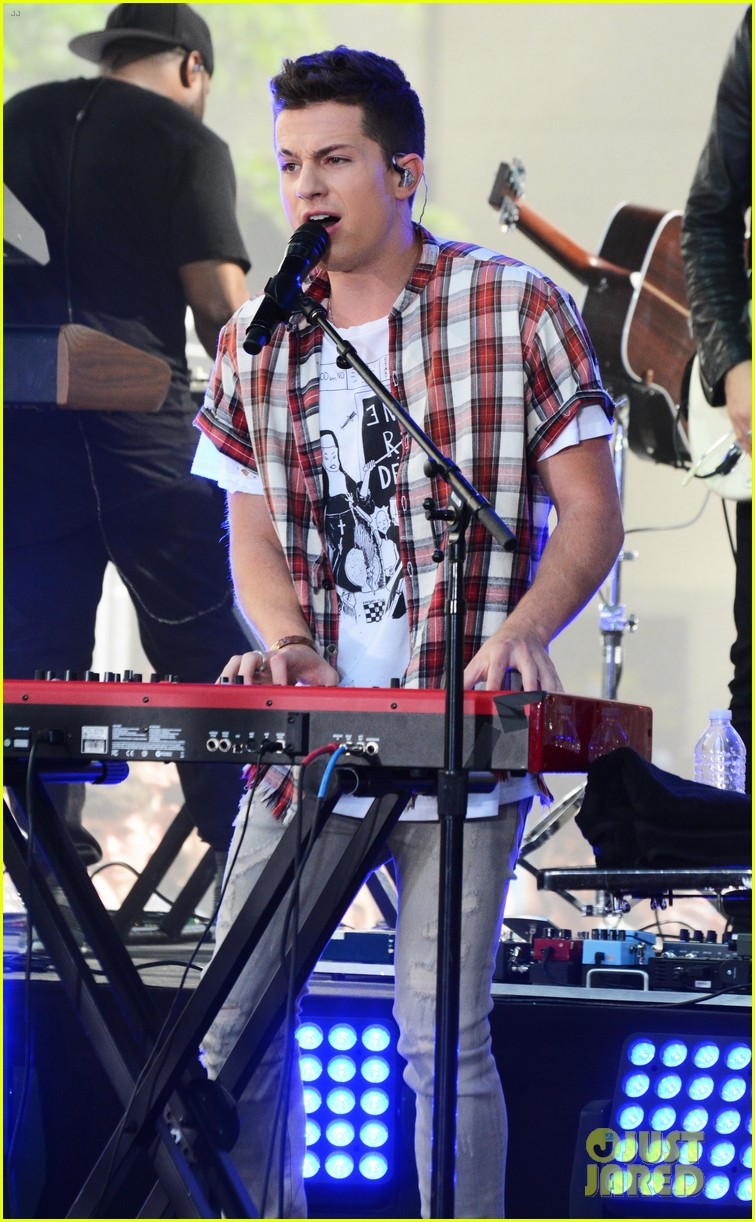 watch charlie puth perform attention on today show summer concert series 08